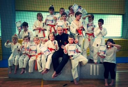 b_0_0_0_00_images_Sekcje_Karate_karate-turnieje-byly